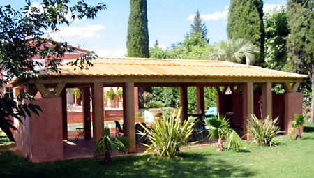 Pool-House avec charpente traditionnelle
